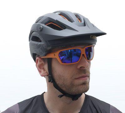 Helm-Giro_Brille-Scott_2.jpg